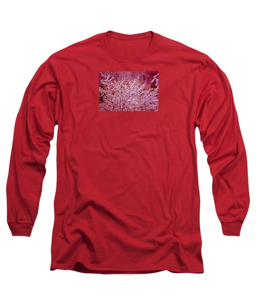 Long Sleeve T-Shirt featuring the photograph Dreaming In Red - Winter Wonderland by Susanne Van Hulst