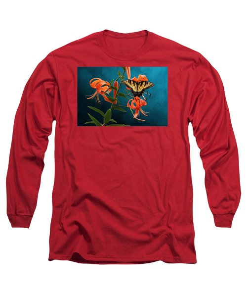 Eastern Tiger Swallowtail Butterfly On Orange Tiger Lily Long Sleeve T-Shirt