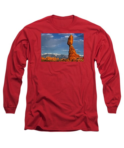 Gravity Defying Balanced Rock, Arches National Park, Utah Long Sleeve T-Shirt by Sam Antonio Photography