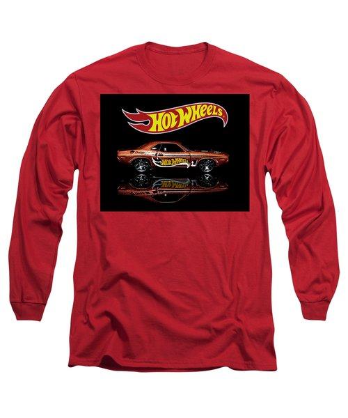 Hot Wheels '70 Dodge Challenger Long Sleeve T-Shirt