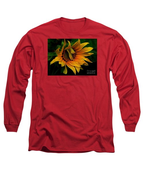 Long Sleeve T-Shirt featuring the photograph I Need A Comb by Elfriede Fulda