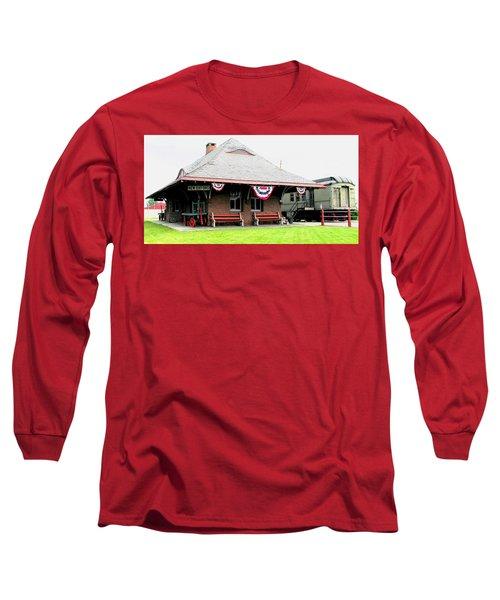 New Oxford Pennsylvania Train Station Long Sleeve T-Shirt