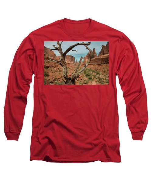 Long Sleeve T-Shirt featuring the photograph Park Avenue by Gary Lengyel