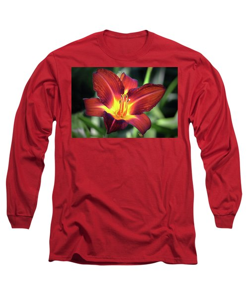 Long Sleeve T-Shirt featuring the photograph Red Volunteer. by Terence Davis