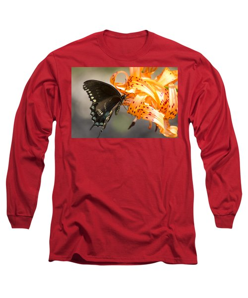 This Butterfly Loves Tiger Lilies Long Sleeve T-Shirt