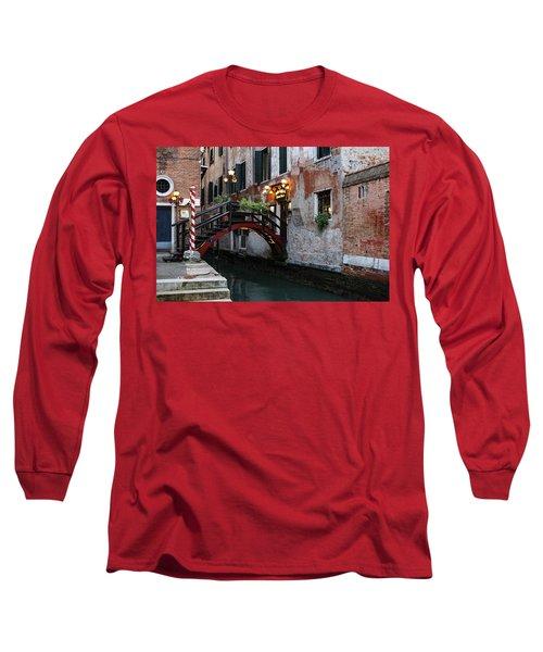 Venice Italy - The Cheerful Christmassy Restaurant Entrance Bridge Long Sleeve T-Shirt