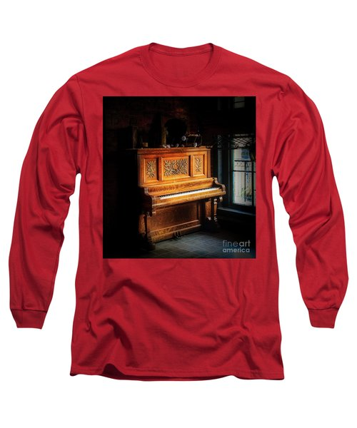 Old Wooden Piano Long Sleeve T-Shirt