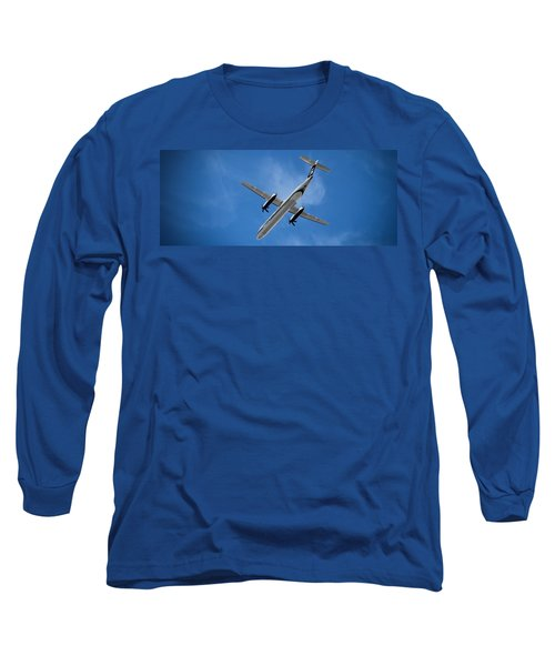 Airplane Long Sleeve T-Shirt featuring the photograph Alaska Airlines Turboprop Wide Version by Aaron Berg