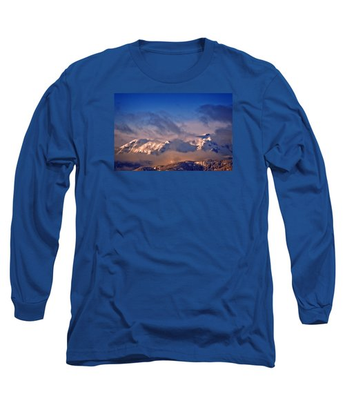 Long Sleeve T-Shirt featuring the photograph Comox Glacier And Morning Mist by Richard Farrington