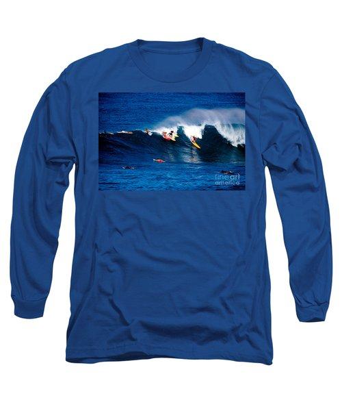Hawaii Oahu Waimea Bay Surfers Long Sleeve T-Shirt