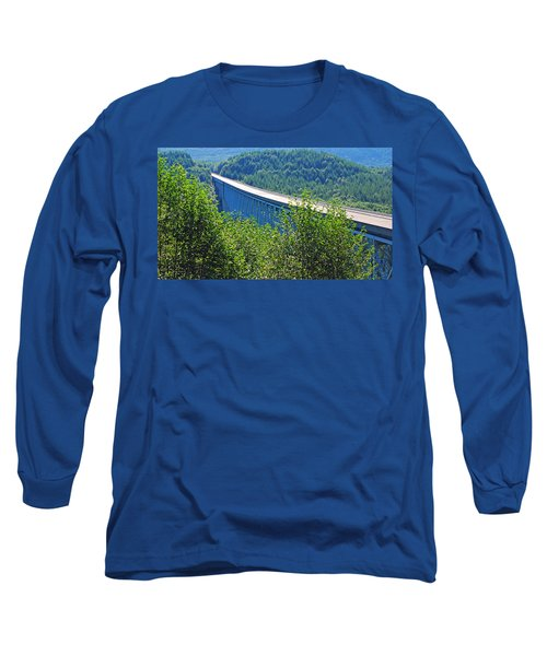 Hoffstadt Creek Bridge To Mount St. Helens Long Sleeve T-Shirt