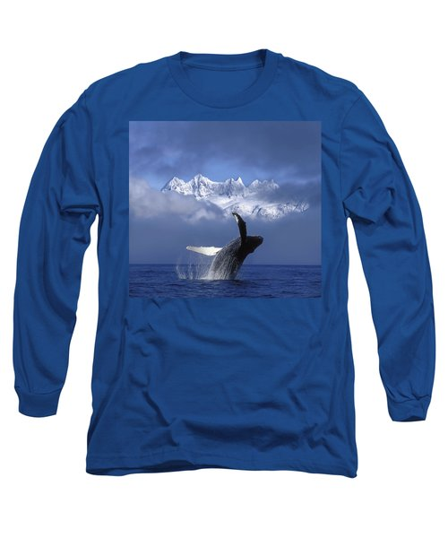 Humpback Whale Breaches In Clearing Fog Long Sleeve T-Shirt