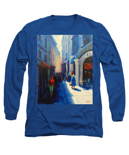 A Lady From Cajamarca In The City, Peru Impression Long Sleeve T-Shirt