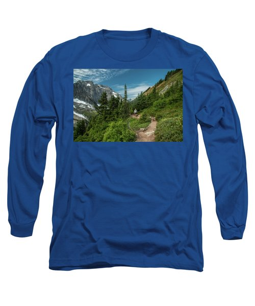 Approaching Sahale Arm Long Sleeve T-Shirt