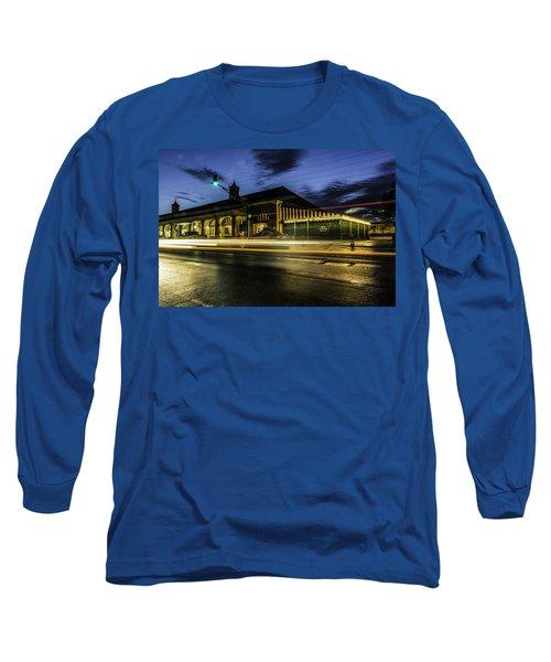 Cafe Du Monde, New Orleans, Louisiana Long Sleeve T-Shirt
