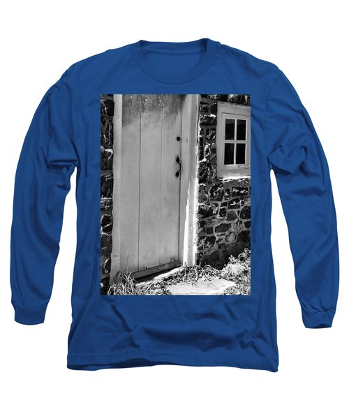 Colonial Entry Long Sleeve T-Shirt