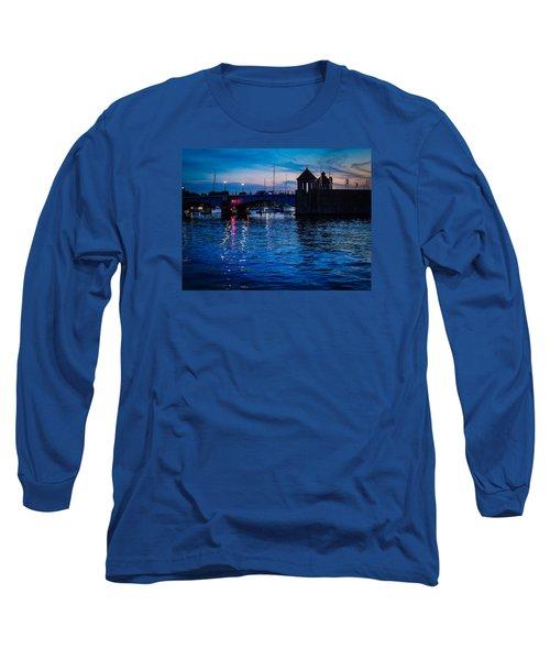 Liquid Sunset Long Sleeve T-Shirt by Glenn Feron