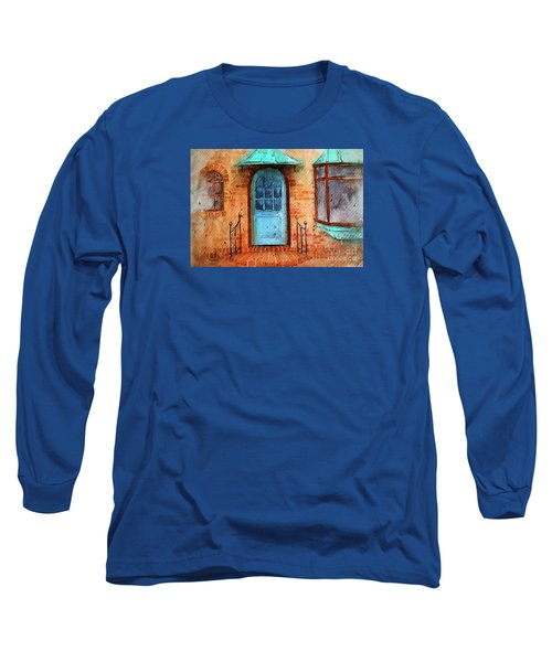 Old Service Station With Blue Door Long Sleeve T-Shirt