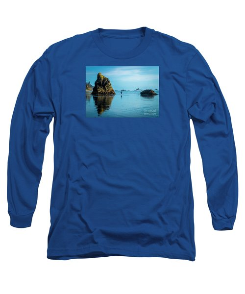 Outing In Ruby Beach,wa Long Sleeve T-Shirt