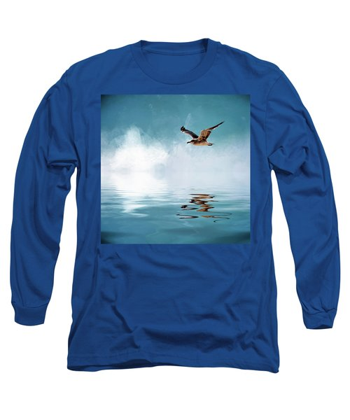 Seagull In Flight Long Sleeve T-Shirt by Cyndy Doty