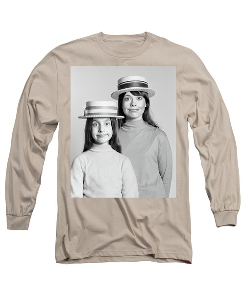 1970s Mother And Daughter Portrait Look Long Sleeve T-Shirt