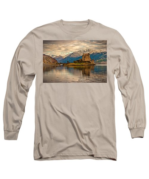 A Reflection At Eilean Donan Castle Long Sleeve T-Shirt