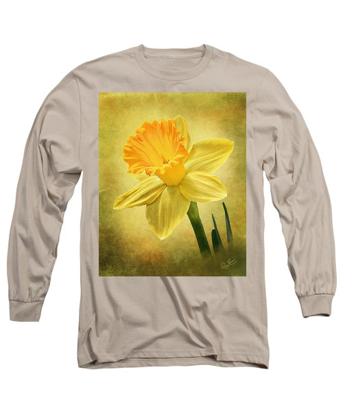 Long Sleeve T-Shirt featuring the photograph Daffodil by Ann Lauwers