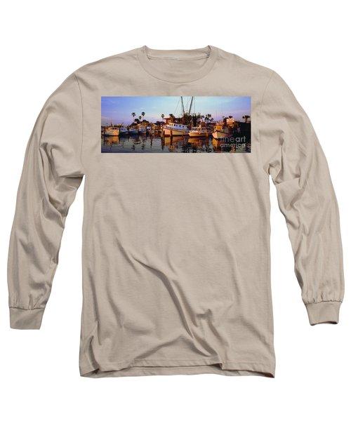Long Sleeve T-Shirt featuring the photograph Daytona Sonny Boy And Miss Hazel by Tom Jelen