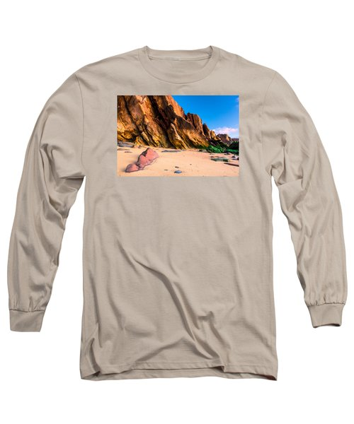 Long Sleeve T-Shirt featuring the photograph Dinosaur Tail by Edgar Laureano