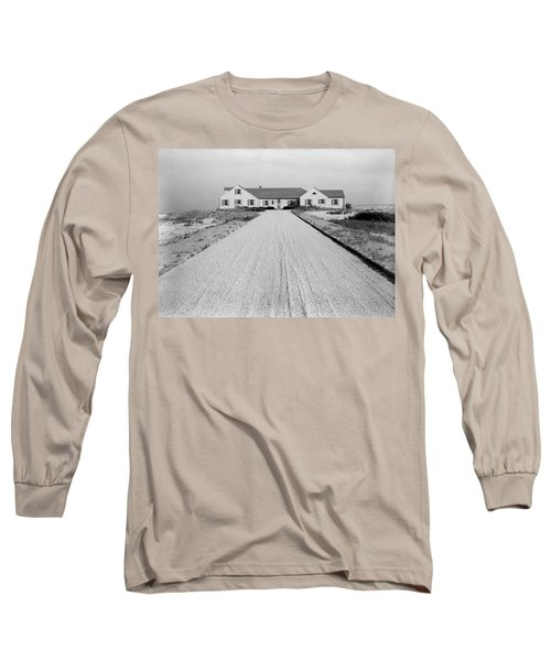 Dr. Robert Boggs House In Southampton Long Sleeve T-Shirt