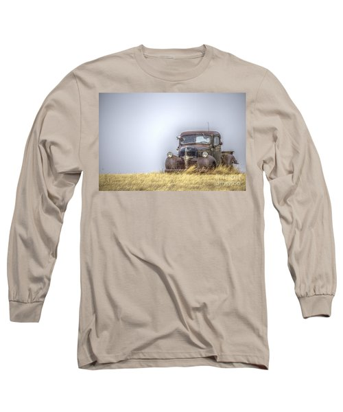 A Rusty Abandoned Truck Near Sturgis South Dakota Long Sleeve T-Shirt