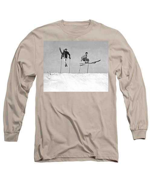 Gelandesprungs In St-sauveur Long Sleeve T-Shirt