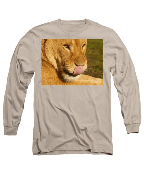 Lion Licking Her Nose Long Sleeve T-Shirt