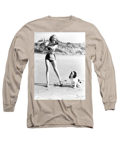 Marilyn Playing Baseball At The Beach Long Sleeve T-Shirt