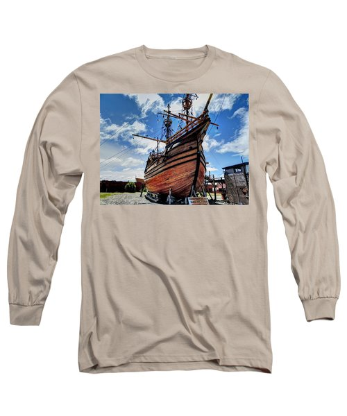 Noa Victoria Long Sleeve T-Shirt