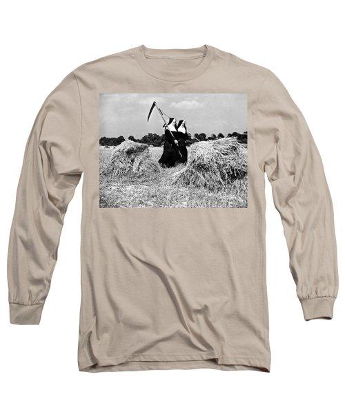 Nuns Harvest Oats In Fields Long Sleeve T-Shirt