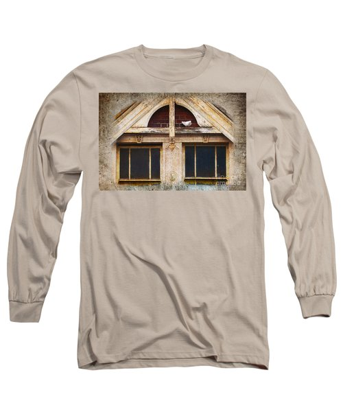 Long Sleeve T-Shirt featuring the photograph Ready To Nest by Cynthia Lagoudakis