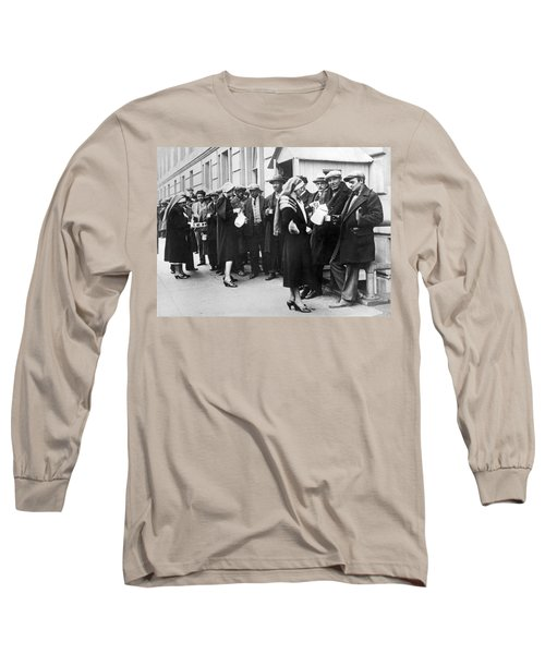 Red Cross Serves Coffee To Vets Long Sleeve T-Shirt