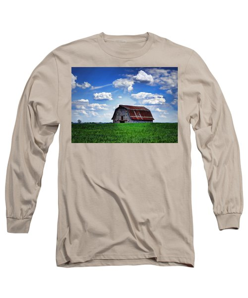 Riverbottom Barn Against The Sky Long Sleeve T-Shirt