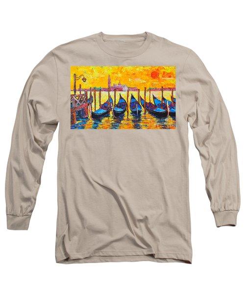 Sunrise In Venice Italy Gondolas And San Giorgio Maggiore Long Sleeve T-Shirt