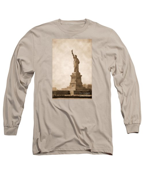 Vintage Statue Of Liberty Long Sleeve T-Shirt by RicardMN Photography