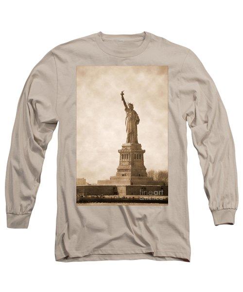 Vintage Statue Of Liberty Long Sleeve T-Shirt