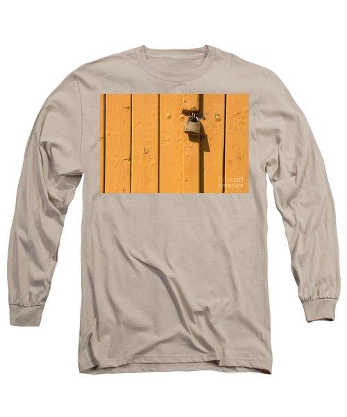Wooden Plank Door Steel Lock Long Sleeve T-Shirt