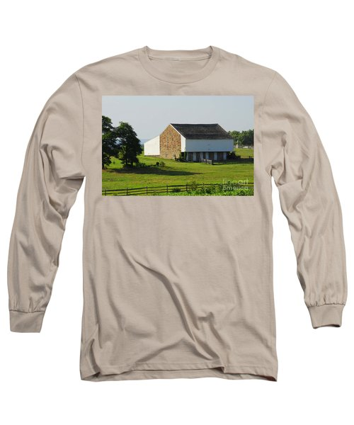 Long Sleeve T-Shirt featuring the photograph Brian Barn At Gettysburg by Cindy Manero
