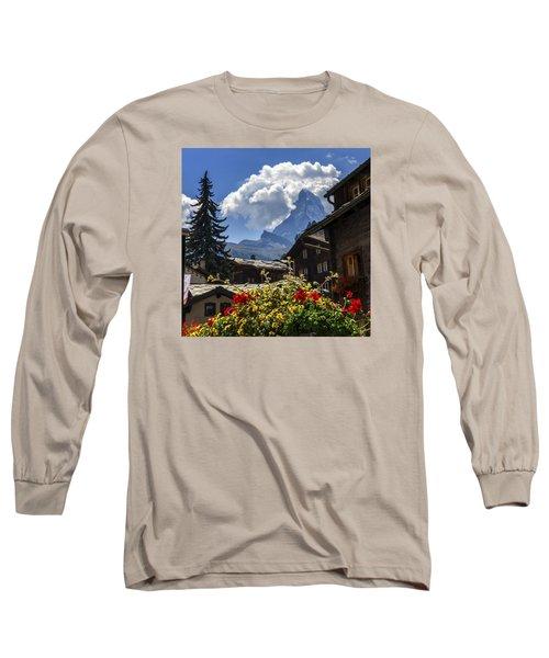 Matterhorn And Zermatt Village Houses, Switzerland Long Sleeve T-Shirt