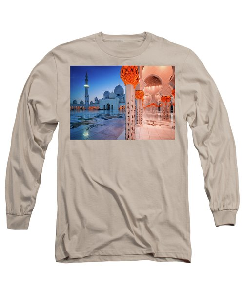 Night View At Sheikh Zayed Grand Mosque, Abu Dhabi, United Arab Emirates Long Sleeve T-Shirt