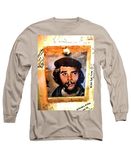 A Garlicky Che Guevara In Havana  Long Sleeve T-Shirt