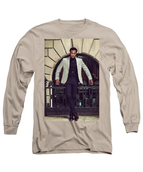 African American Businessman Working In New York Long Sleeve T-Shirt