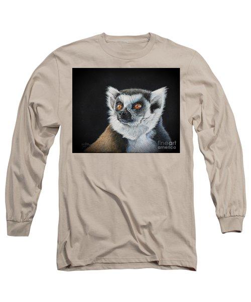 Amber Eyes......lemur Long Sleeve T-Shirt