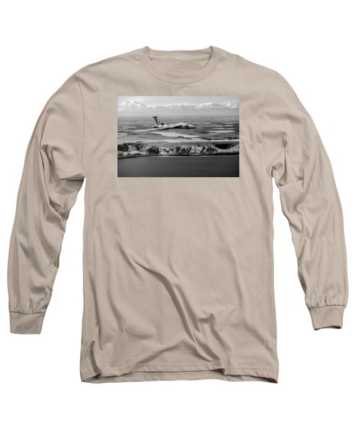 Avro Vulcan Over The White Cliffs Of Dover Black And White Versi Long Sleeve T-Shirt